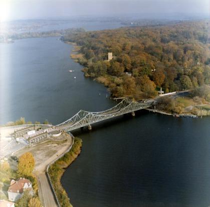 Glienicker Brücke; BStU Foto